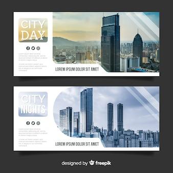 Bandiere moderne con foto skyline
