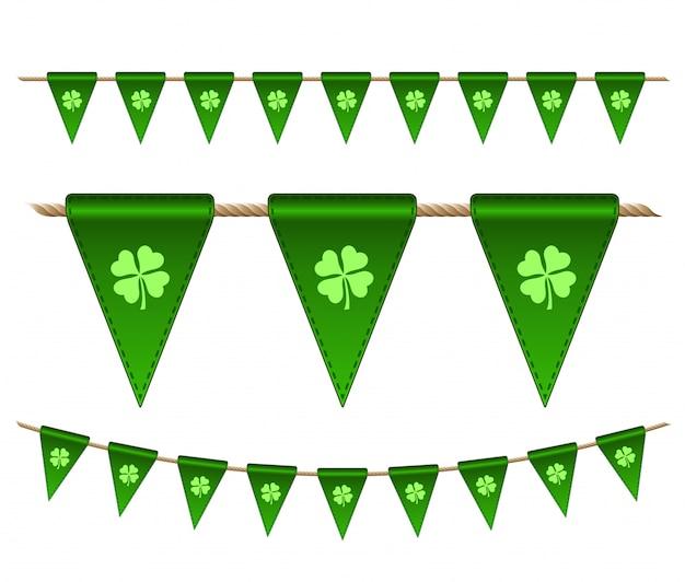 Bandiere verdi festivi con trifogli