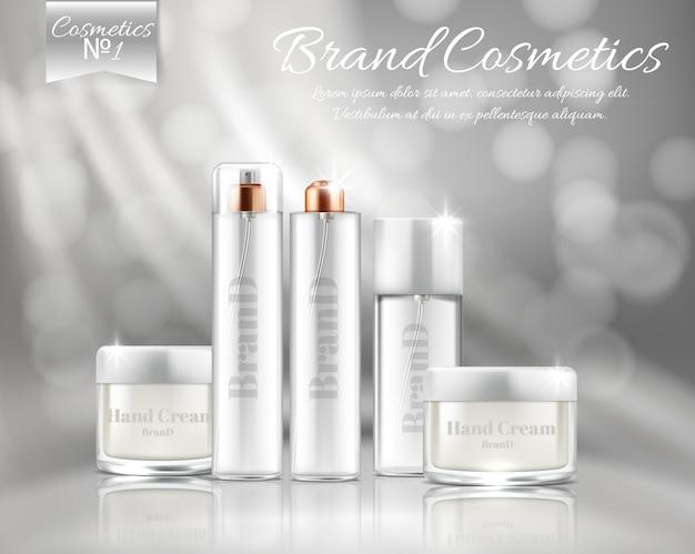 Banner di promozione con set realistico di bottiglie d'argento e barattoli per maschera viso, crema per le mani
