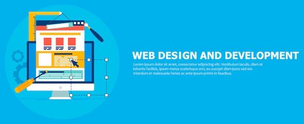 Banner di sviluppo del sito. computer con strumenti di costruzione.
