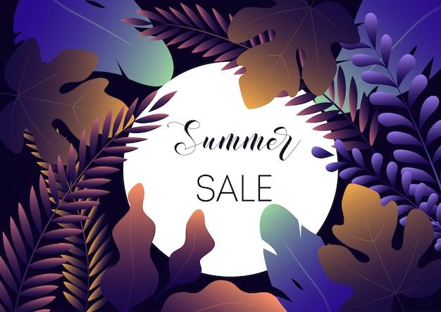 Banner di vendita di estate con foglie gradiente alla moda