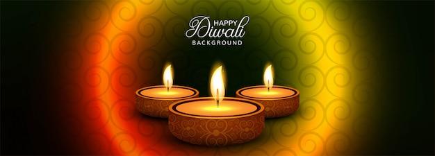 Banner promozionale di social media happy diwali con lampade a olio illuminate