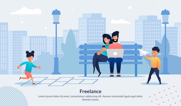 Banner pubblicitario freelance con famiglia felice