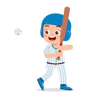 Baseball sveglia del treno del gioco del ragazzo del bambino sveglio felice