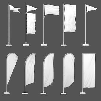 Beach flag. l'insegna all'aperto sull'asta della bandiera, sta le bandiere in bianco e svuota l'illustrazione del modello delle insegne fronte mare di pubblicità