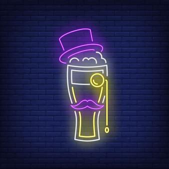 Bicchiere da birra con cappello a cilindro, baffi e insegna al neon monocolo.