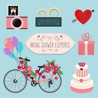 Bicicletta graziosa con dettagli floreali e gli elementi di nozze