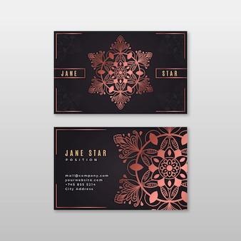 Biglietto da visita creativo con mandala rosa