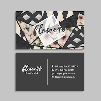 Biglietto da visita scuro con bellissimi fiori ed elementi geometrici.