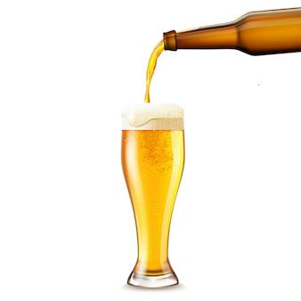 Birra versando realistico