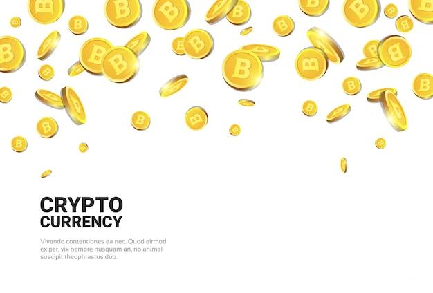 Bitcoins dorati realistici che cadono sopra il concetto bianco di criptovaluta del fondo