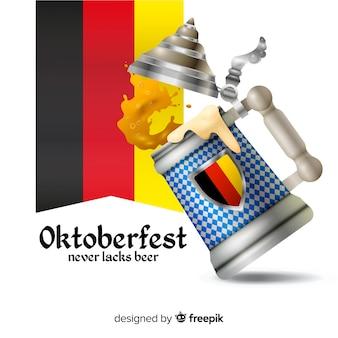 Boccale di birra tradizionale più oktoberfest realistico