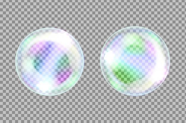 Bolle di sapone bianche realistiche su sfondo trasparente.
