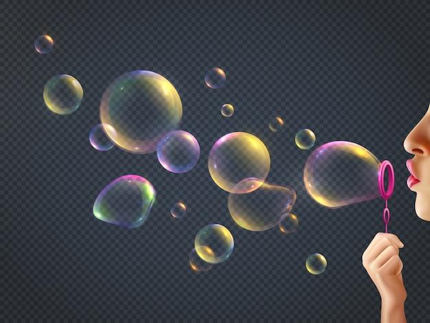 Bolle di sapone di salto della ragazza con la riflessione dell'arcobaleno su realistico trasparente
