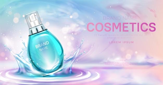 Bottiglia cosmetica di siero sulla superficie di spruzzi d'acqua