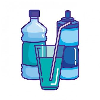 Bottiglie d'acqua e vetro