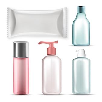 Bottiglie e pacchetto di plastica