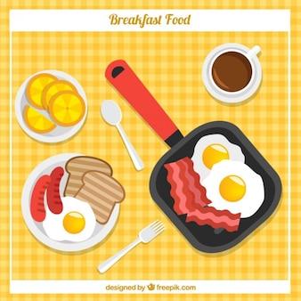 Breafkast con varietà di prodotti alimentari