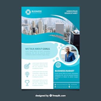 Brochure aziendale in formato a5 con stile piatto