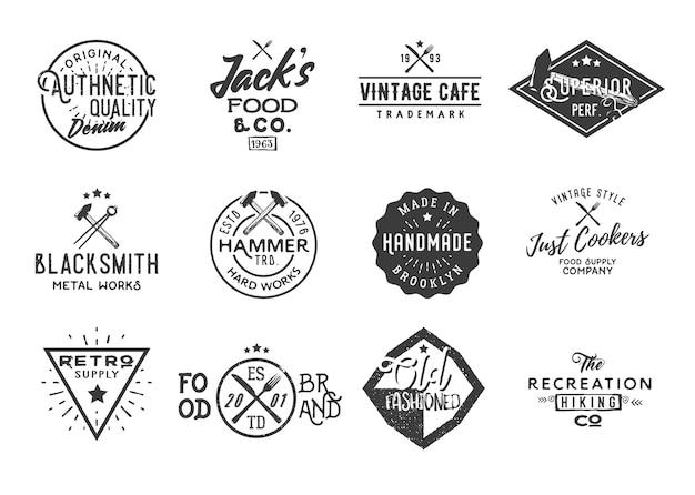 Bundle di 12 badge vintage retrò, etichette, loghi, elementi di design.