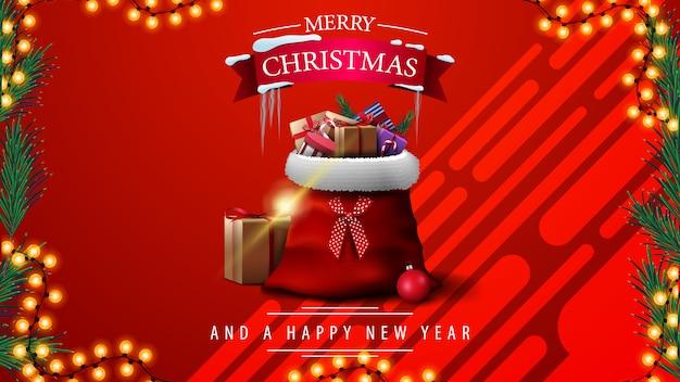 Buon natale e felice anno nuovo, cartolina d'auguri rossa con cornice ghirlanda e albero di natale rosso auto d'epoca che trasportano