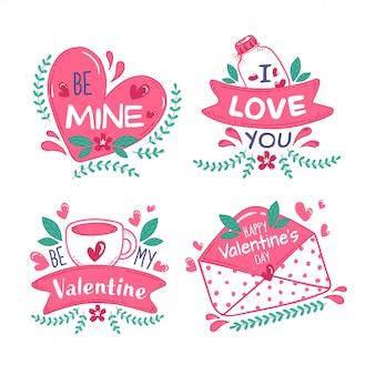 Buon san valentino messaggio come be my valentine, be mine, i love you font con cuori, tazza di caffè, vaso e busta su sfondo bianco.