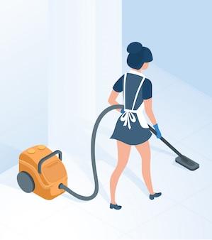 Cameriera in pavimento uniforme aspirante nella stanza del corridoio