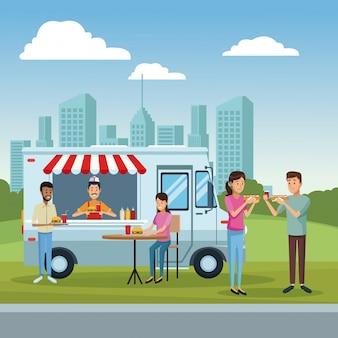 Camion di cibo e clienti