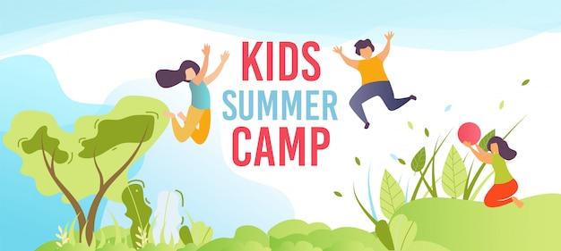 Campo estivo per bambini in vacanza banner di testo