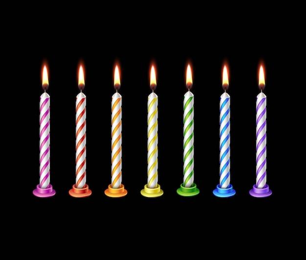 Candela di compleanno fiamma fuoco luce isolata