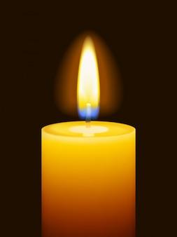 Candela gialla bruciante realistica su oscurità