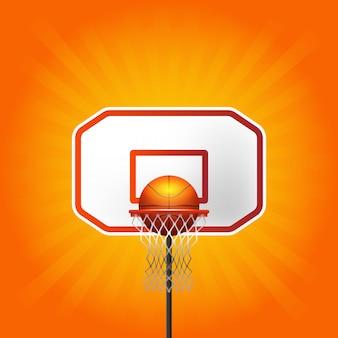 Canestro e palla di pallacanestro con le linee fondo