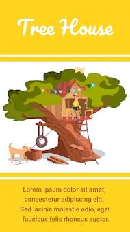 Capanna di legno della foresta di eco della bandiera della casa sull'albero