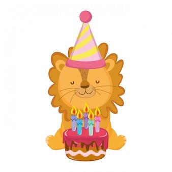 Carino e piccolo leone con cappello da festa e torta dolce