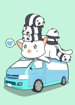 Carino gatto gigante e panda sul furgone blu.