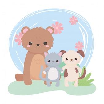 Carino piccolo orso gatto cane fiori cespuglio erba animali del fumetto in un paesaggio naturale