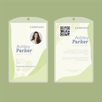 Carta d'identità con forme astratte di calce