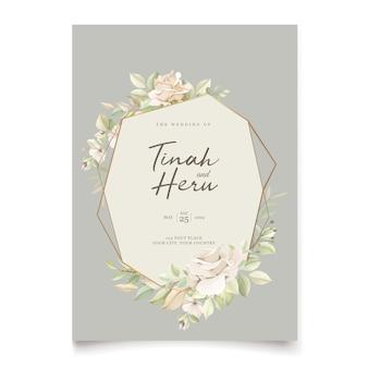 Carta di matrimonio elegante con bellissimo modello floreale e foglie