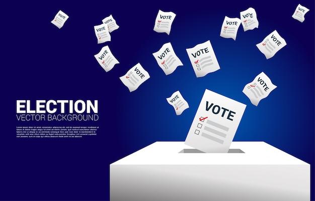 Carta per votazione in volo inserita in una casella elettorale.