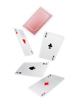 Carte da gioco che cadono. tempo libero, gioco, gioco d'azzardo. concetto di fortuna