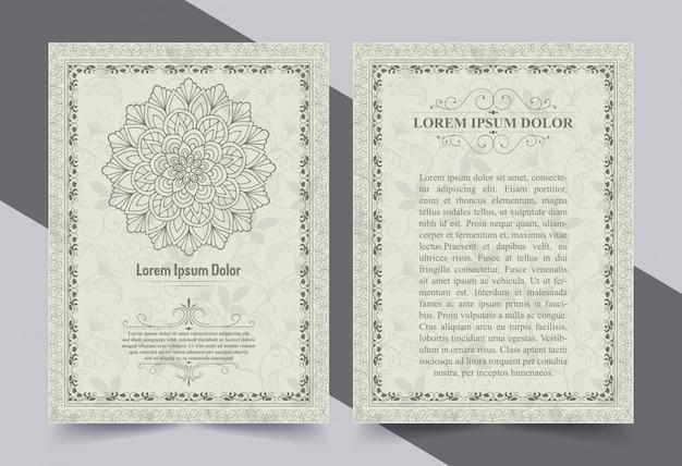 Cartolina d'auguri antica dell'oro con una priorità bassa bianca.