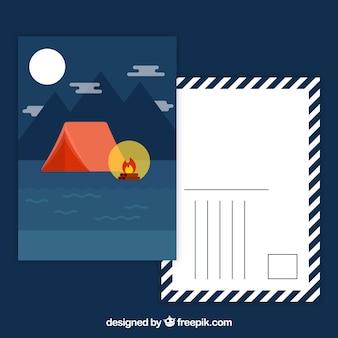 Cartolina di viaggio con tenda da campo di notte