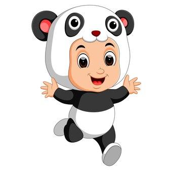 Cartone animato carino ragazzo indossa il costume da panda