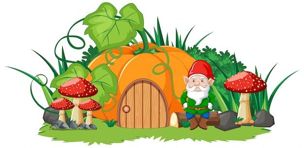 Casa di zucca e gnome in stile cartone animato su sfondo bianco
