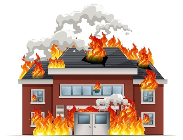 Casa isolata in fiamme