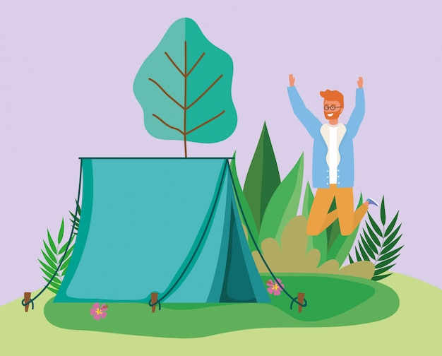 Celebrando la tenda da campeggio uomo fogliame foresta