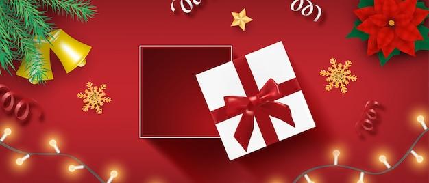 Celebrazione di buon natale e felice anno nuovo sfondo in stile taglio carta.