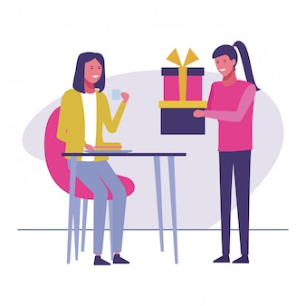 Celebrazione di regali di compleanno delle donne