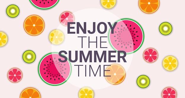 Cerchio colorato frutti tropicali godetevi l'estate organica