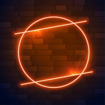 Cerchio cornice marrone o arancione al neon con spazio testo
